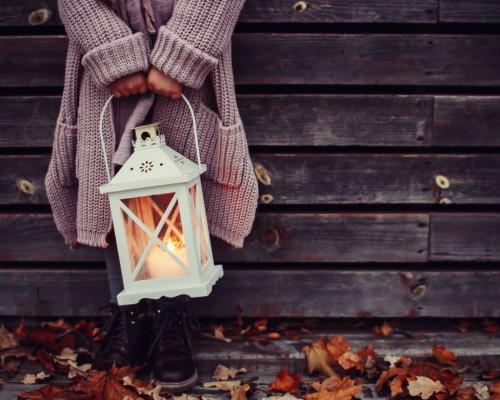 Kurtki, płaszcze i kardigany – okrycia wierzchnie na jesienne dni